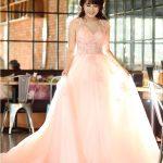 Cách chọn trang phục cưới cô dâu vào mùa xuân